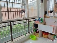 樟树湾3室2厅精装保养好环境优美假二楼