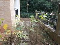 华邦阳光城,毛坯大三房出售,架空一楼。送一个近二十平的大花园。性价比很高