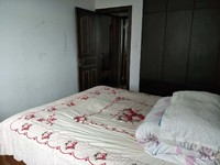 翠微苑全装三室二厅干净清爽,三朝南房型,十一中城关小学,房东急售。