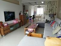百合蓝鸟苑精装复式楼,面积大好居住,房东急售。