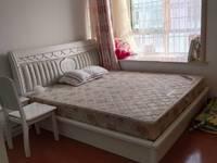 小罗出售静安新城多层精装好房,三室二厅,保养非常好,拎包即住