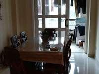 华邦阳光城中间跃层复式诚心出售,高档小区,绿化覆盖高,居住舒适。