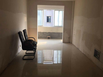 浦西新城 框架毛坯二房 好楼层 好户型 性价比超高 房东诚心出售