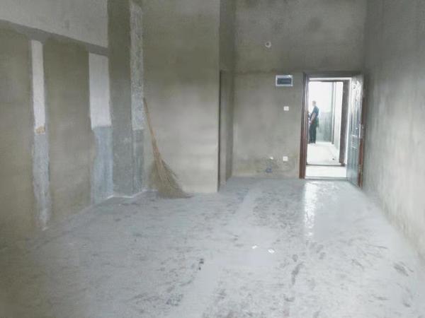 市中心地段米兰loft挑高公寓 总价31万起 免费带看成交不收中介费