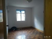 水木清华隔壁,简单装修3居室,中间楼层,诚心出售,价格面谈