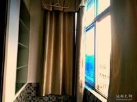 团结小区 两室一厅70.3平米 精装修 配套齐全
