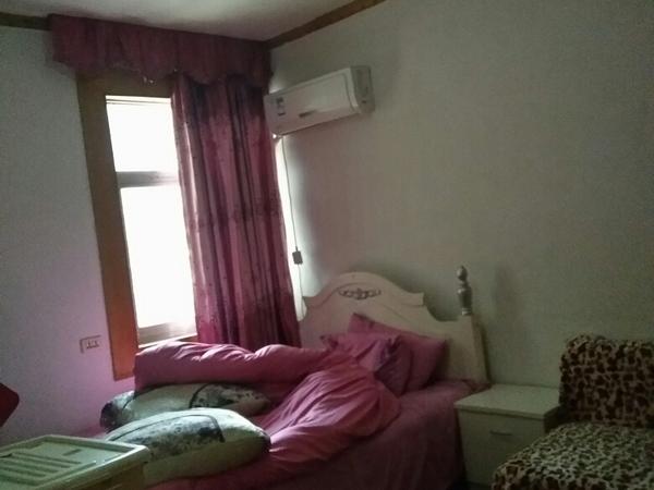 小罗出售百牙小区中装两房,市中心位置,干净整洁,降价急售