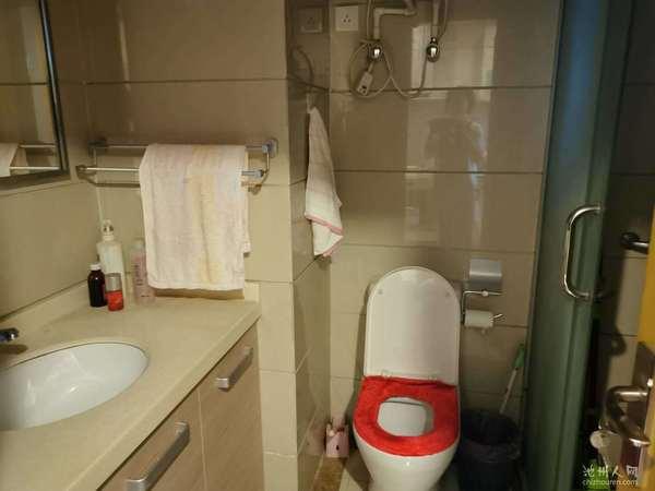 香港城 精装小两室公寓 27万全托